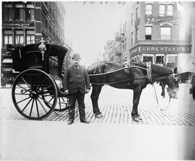 A Hansom cab at Union Square 1896