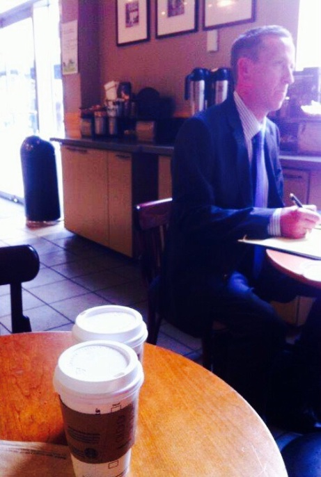 Meeting di lavoro da Starbucks, New York |  JustReadTheWorld©