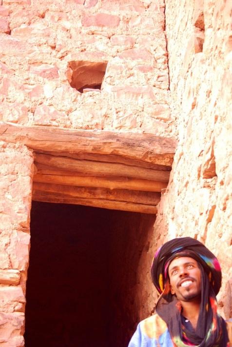 Ragazzo alla Kasbah di Telouet, Marocco.