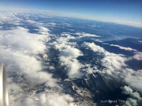 Sorvolando le alpi, in viaggio per Londra